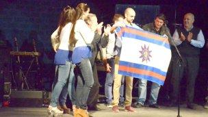 Rebord y Bentos entregaron elementos de fraternidad a Abel Pintos