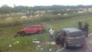 Siete personas murieron tras trágico accidente con dos automóviles
