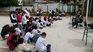 Las Cantoras de Eurindia recorren las escuelas