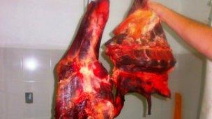Carne con un fuerte olor nauseabundo
