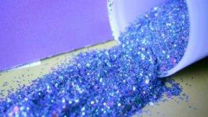 Prohibido el ingreso de purpurina