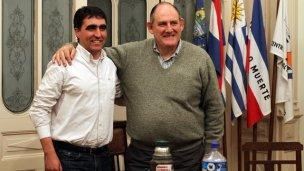 Niez visitó al nuevo intendente de Salto
