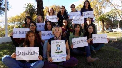 Balas, golpes y puñaladas: las marcas del femicidio en Argentina