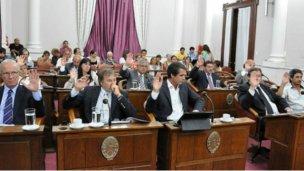 En una sesión exprés, el oficialismo logró reformar la ley electoral