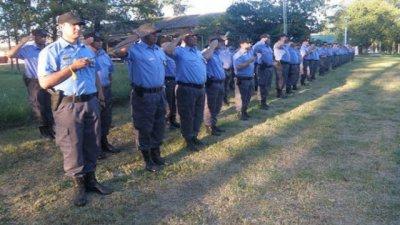 Ascendieron a 137 agentes penintenciaron y anunciaron licitaciones