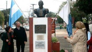 Inauguraron un busto de San Martín