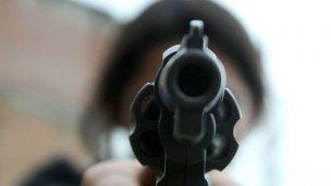 Increpó a un suboficial con un arma de fuego
