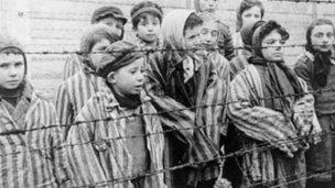 """Conmemoran el """"Día Internacional de las víctimas del Holocausto"""""""