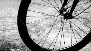 Bicicleta semienterrada