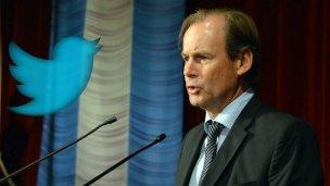 Vía Twitter, Bordet envía su pésame a Urribarri