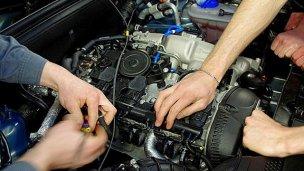 Dos talleres pugnan por reparar los autos del Ministerio de Trabajo
