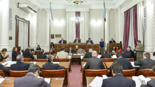 Es ley la prohibición del cobro de plus en Entre Ríos