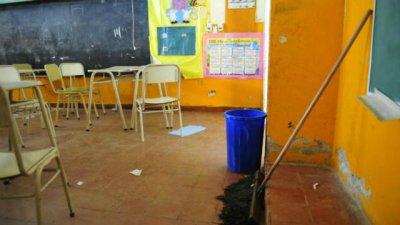 Escuelas públicas, sin partidas pero con Gripe A