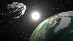 Descubrieron que otra luna gira alrededor de la Tierra