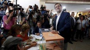 Rajoy gana las elecciones en España; lo siguen el PSOE y Podemos