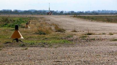 5 años después, la pista del aeródromo sigue destruida