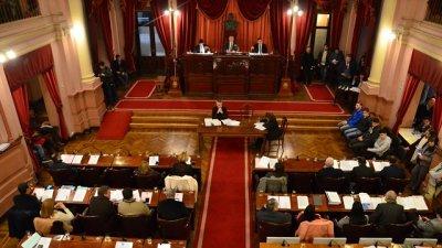 Proponen garantizar el cupo joven para ser legislador entrerriano