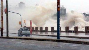Riesgo de ciclón: Uruguay activa su sistema de emergencias