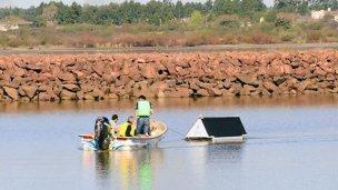 Una sofisticada boya combate a las algas en el Puerto de Federación