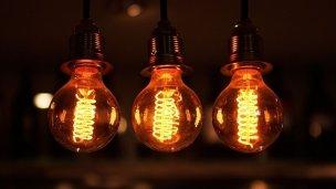 Proponen cambios para que los usuarios paguen menos luz