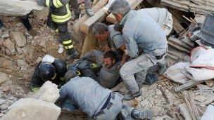 Terremoto en el centro de Italia: Hay decenas de muertos