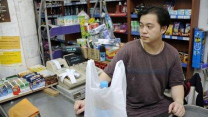 Podría abrir una docena de super chinos y los comerciantes están preocupados