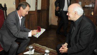 Dicen que Puiggari llamó a Bordet por el allanamiento al convento