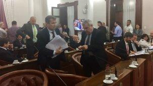 Tensión en el Senado: Uno de los bloques se retiró del recinto