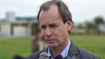 Bordet  habla con otros gobernadores por el bono