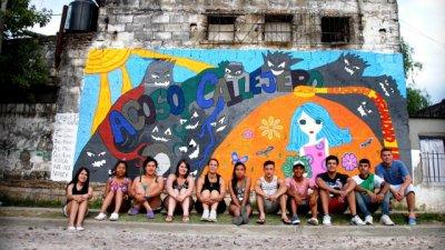 Estudiantes pintaron mural sobre violencia de género
