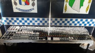 Con un scanner portátil, la policía detectó 311 celulares de contrabando