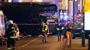 Al menos 9 muertos en un ataque con un camión en Berlín