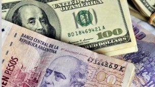 El Gobierno emitió deuda en pesos y dólares