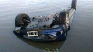 Misterio por un auto hundido en el río Gualeguaychú