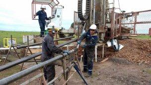 Intentan impedir que una empresa privada busque petróleo en la región