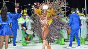 Carnaval de Concordia: Ritmo y brillo en el show de batería