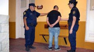 En libertad condicional, asaltó 4 comercios en 4 días