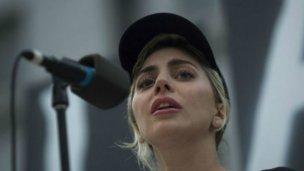 Hollywood condena una ley que limita derechos de las personas transgénero