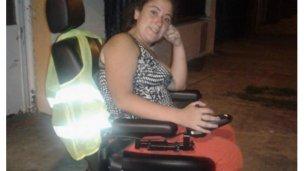 Samantha obtuvo su silla de ruedas motorizada