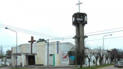 La parroquia y el colegio, con peligro de derrumbe