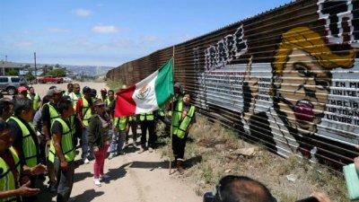 Trump quiere un muro difícil de escalar y