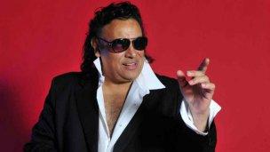 Diez grandes éxitos del popular cantante Sebastián