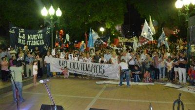 En Concepción del Uruguay marcharon por la memoria