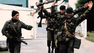 Foto histórica: el entrerriano que recuperó Malvinas