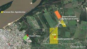 """Los intendentes que apoyaron la construcción del """"complejo ambiental"""" en la escuela granja"""