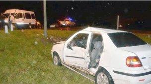 Colonenses accidentados en Paysandú al chocar un auto y un minibus