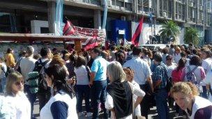 Docentes vuelven a protestar en el CGE
