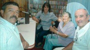 Tras 59 años, pudo conocer a su madrina por una casualidad