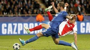 Mirá los dos golazos de Higuaín ante el Mónaco