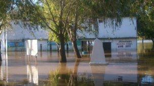La sudestada complicó el río y superó los 5,20m
